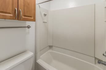 Bathroom, Riviera Pines, 0
