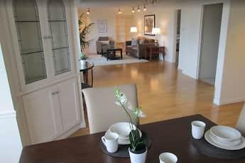 Dining Room, Ten Twenty Grove, 0