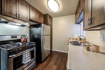 Kitchen, Kendallwood Apartments, 1