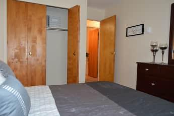 Bedroom, Crestview Apartments, 2