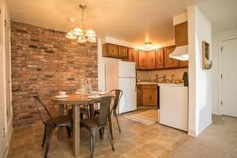 Kitchen, Idylwood Resort, 1