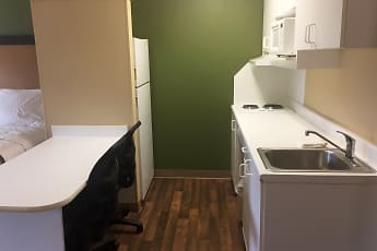 Kitchen, Furnished Studio - Chicago - Downers Grove, 1