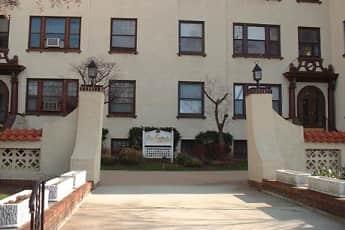 Les Gertrude Apartments, 0