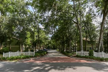 Hickory Plantation Apartments, 1