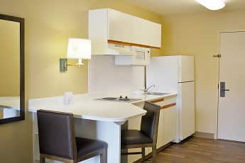 Kitchen, Furnished Studio - Bakersfield - Chester Lane, 1