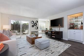 Living Room, Oak Creek Apartments, 0