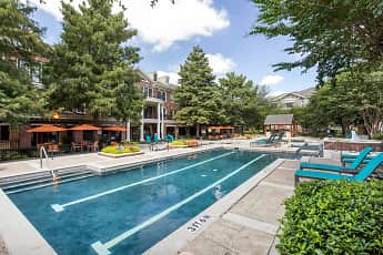 Pool, The Lincoln at Towne Square Apartments, 1