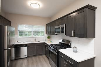 Kitchen, Fair Lawn Commons, 0