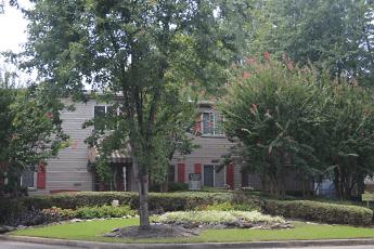 Building, Mill Creek Apartments, 1