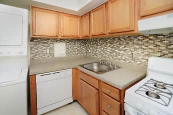 Kitchen, Arbors at Edenbridge Apartment Homes, 0