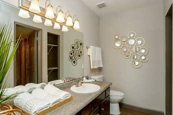 Bathroom, Pineforest Place, 2