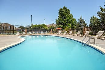 Pool, Rosehill Pointe, 0