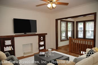 Living Room, 1535 W Addison Apartments, 0