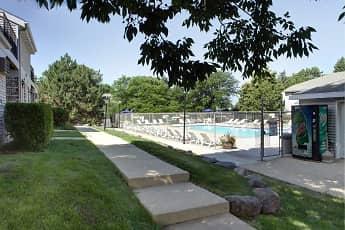 Pool, Stonewood Village Apartments, 2