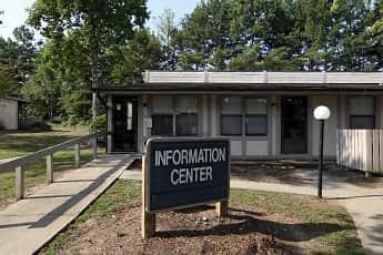 Leasing Office, Springbrook, 0