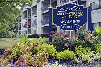 Building, Valley Stream Village Apartments, 0