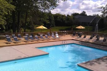 Pool, Arbor Lakes, 0