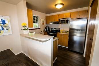 Kitchen, River Pointe, 1