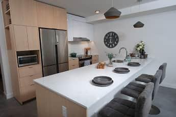 Kitchen, Luna, 0