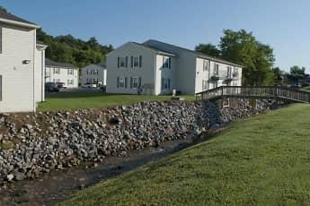 Building, Willow Run Apartments, 1