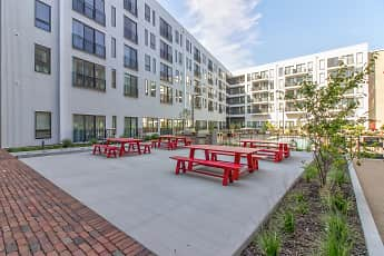 Courtyard, The Yards, 1
