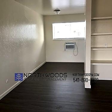 725 Bennett Ave 725 Bennett Ave Medford Or Apartments For