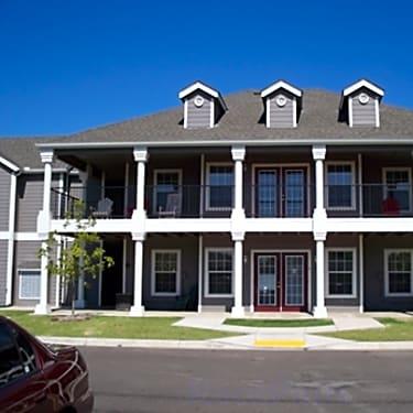 Savannah House Of Yukon 428 North Willowood Drive Yukon