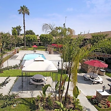 Fairway Village 120 North Magnolia Anaheim Ca Apartments For