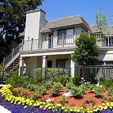 Wimbledon Glen - 1142 Buckingham Drive | Costa Mesa, CA
