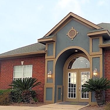 Eagle Flatts 105 Doleac Dr Hattiesburg Ms Apartments For Rent Rent Com