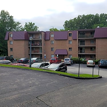 Woodbrook House Apartments 55 3405 West Chester Pike