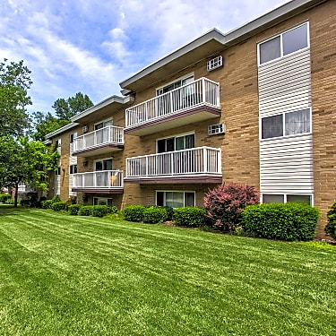 Riverside House - 4285 River Street #122 | Willoughby, OH ...