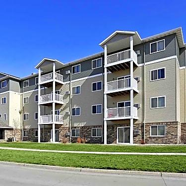 Westport Apartments 2055 Dakota Dr N Fargo Nd Apartments For Rent Rent Com