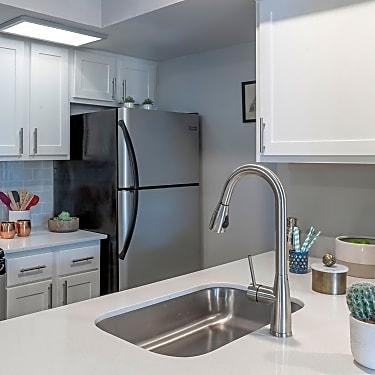 Solis At Winter Park 7502 Sun Key Boulevard Winter Park Fl Apartments For Rent Rent Com