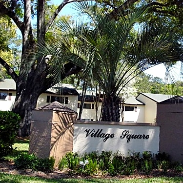 Village Square - 1725 NE 36th Avenue | Ocala, FL Apartments