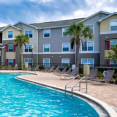 Camri Green Apartments 3820 Losco Rd Jacksonville Fl Apartments For Rent Rent Com