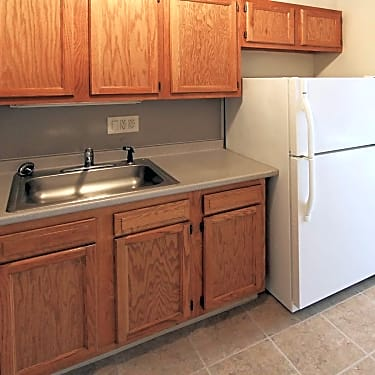 River Hollow Apartments - 226 South Water Street L1   East ...