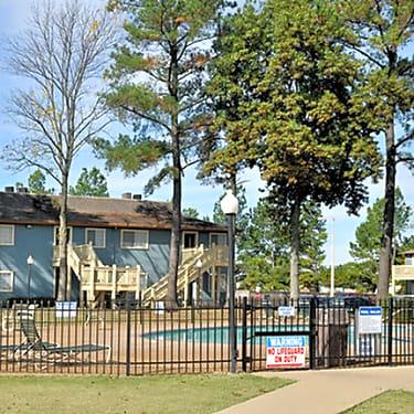 Stonebrook Apartments - 6371 Winchester   Memphis, TN