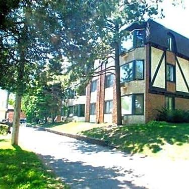 Diamond Lake 100 W Diamond Lake Rd Minneapolis Mn Apartments For Rent Rent Com