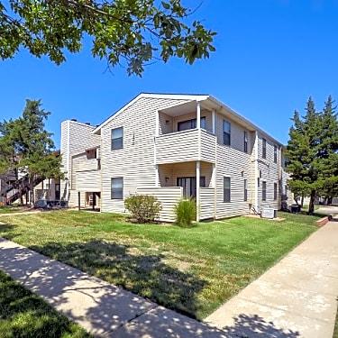 Eagle Creek Apartments 9550 East Lincoln Wichita Ks Apartments