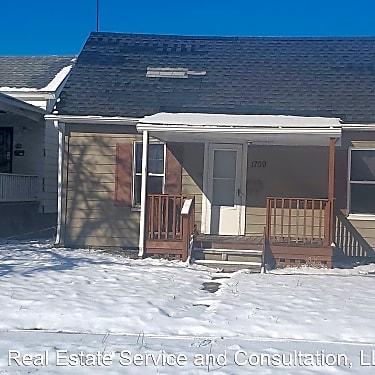 1709 E Moffat Ave 1709 E Moffat Ave Springfield Il Houses For Rent Rent Com
