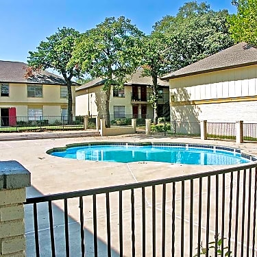 Forest Oaks On Purdue 5628 Nw 23rd Street Oklahoma City Ok