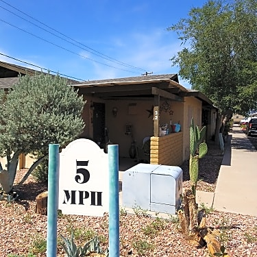 Coppertree Villas 8530 N 59th Ave Glendale Az Apartments For Rent Rent Com