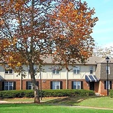 Sedgefield Apartments 1136 West Commons Lane Marietta Ga