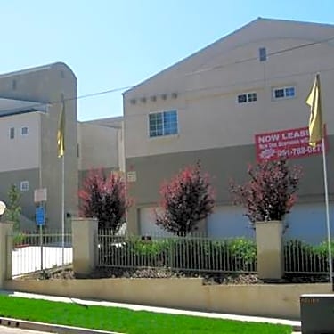 Towne Crest Apartments - 750 Via Pueblo | Riverside, CA ...