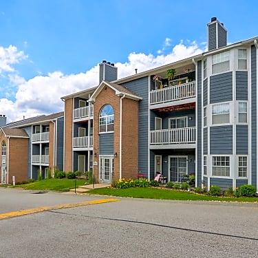 Eagle Ridge Apartments 1500 Eagle Ridge Drive Monroeville Pa Apartments For Rent Rent Com