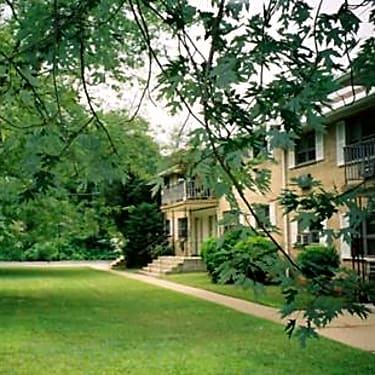 Edwards Gardens Apartments - 889 Edwards Road, Apt. C-14 ...