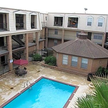 The Williamsburg Apartments - 3105 Edenborn Avenue
