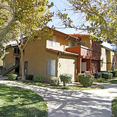 The Arches At Regional Center West 570 Knollview Court Palmdale Ca Apartments For Rent Rent Com