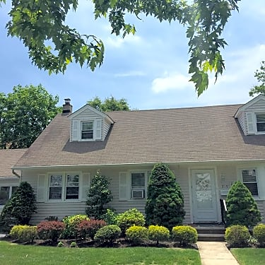 Admirable 319 Pennsylvania Ave Home Interior And Landscaping Oversignezvosmurscom